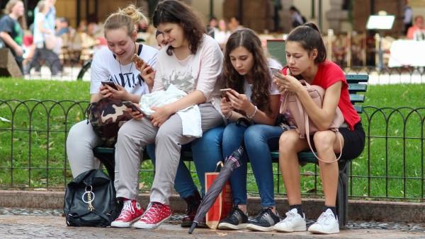Research on technology: cellphone and its rules of coexistence